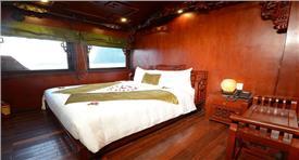 2N1Đ trên du thuyền 4 sao Hạ Long Royal Palace