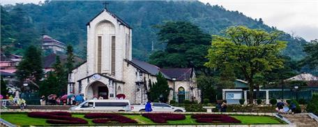 Tour du lịch Sapa cao cấp 2 ngày 1 đêm (Xe Limousine + Hotel 4*-5*)