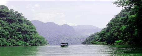 Tour du lịch Ba Bể - Động Hua Mạ 2 ngày 1 đêm