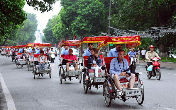 xich%20lo4 - TOP 5 Hanoi Shore Excursions